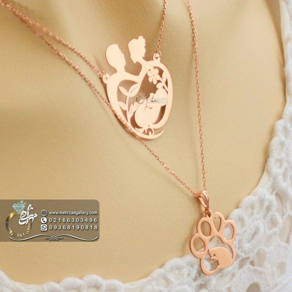 زنجیر و پلاک طلا مادر باردار طرح خانوادگی زیبا